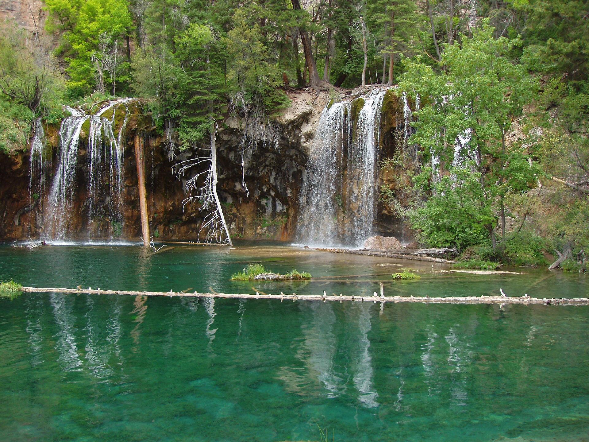 http://internetbrothers.org/images/hanging_lake_falls.jpg
