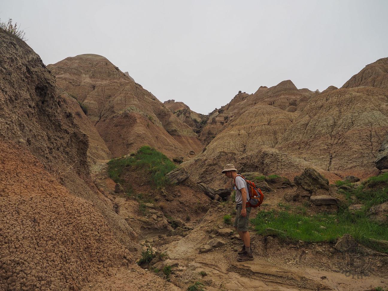 Meanderthals   Castle Trail to Saddle Pass, Badlands ...